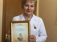 Награждение медицинских сестер медалью Екатерины Бакуниной