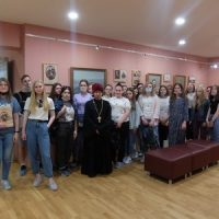Студенты филфака посетили выставку «Лев Толстой и Тверской край»